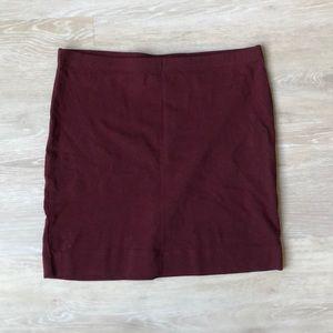 ‼️ FREE W/ PURCHASE ‼️ Burgundy H&M knit miniskirt